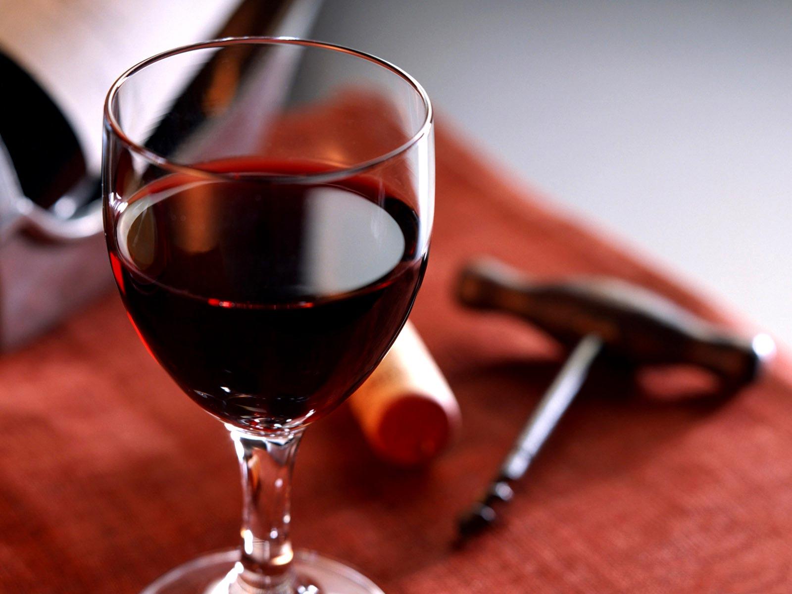 Jūs išgeriate taurę vyno prieš miegą