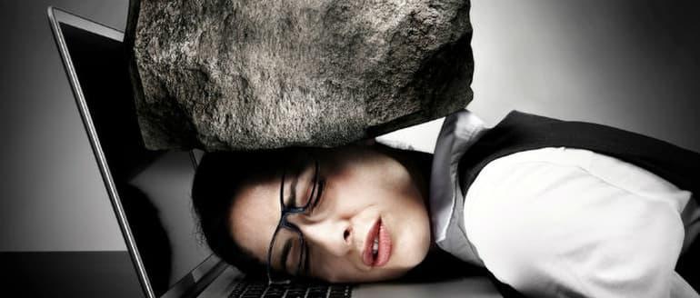 Jogos pratimai nuo galvos skausmo ir pagirių