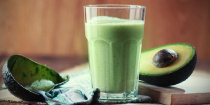 Žaliasis kokteilis iš avokadų