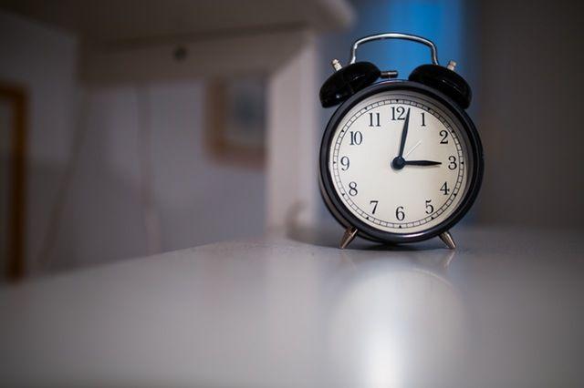 Formulė 10-3-2-1-0 geram miegui ir žvaliam rytui