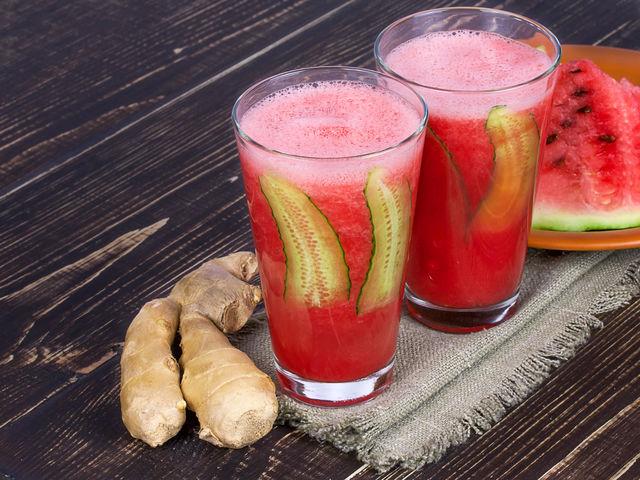 Smuzi iš arbūzo ir agurko