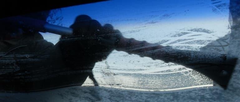 Ką daryti, kad nerasotų automobilio langai?