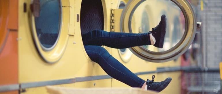 Kaip išvalyti skalbimo mašiną greitai ir be vargo