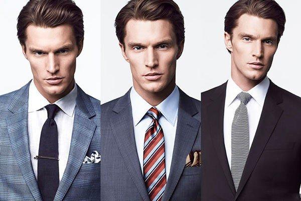 Kaklaraištis ir balti marškiniai