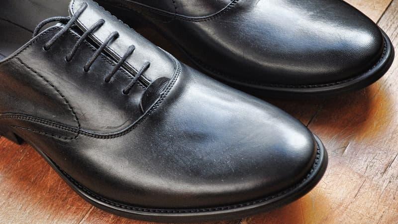 Juodi vyriški batai