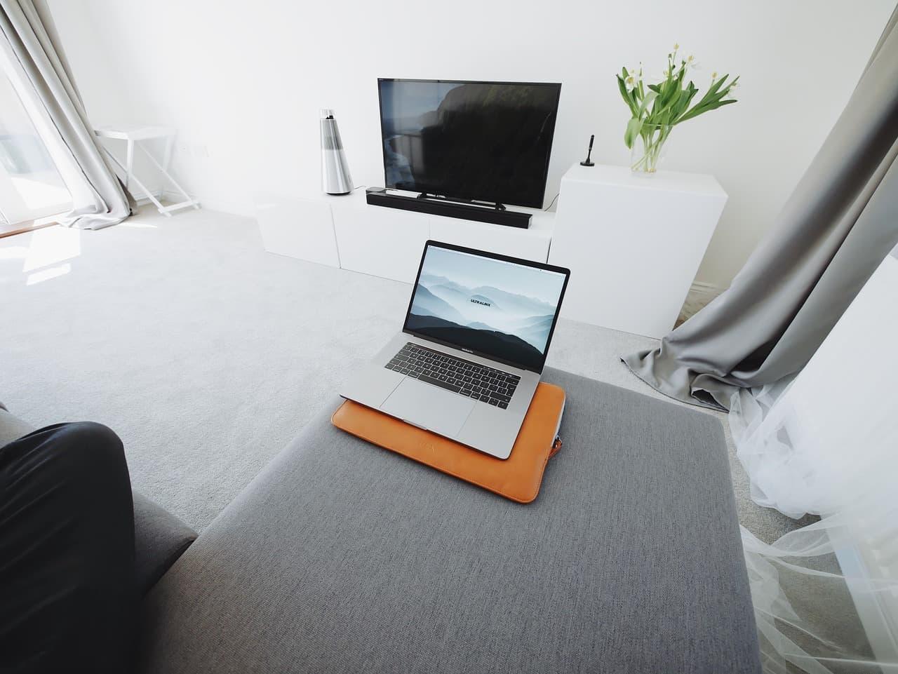 Kaip prijungti kompiuterį prie televizoriaus per Wi-Fi