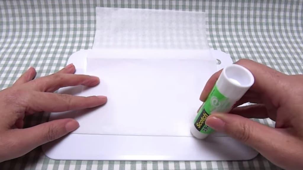 Kaukė iš popierinių rankšluosčių - 1 žingsnis